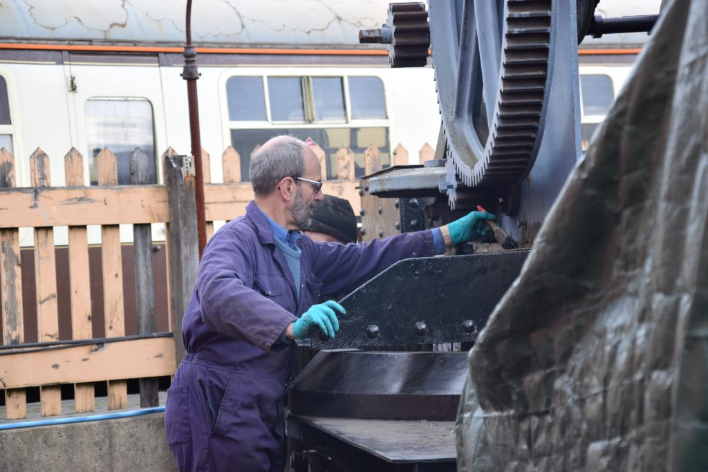 Painting the 6ton Travelling Hand Crane No438 in May 2019